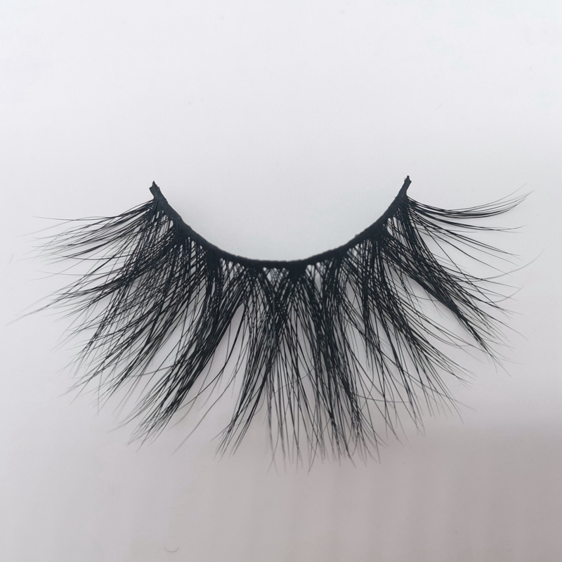 Wholesale 5D 25mm Mink Eyelashes with Customized Design Packaging